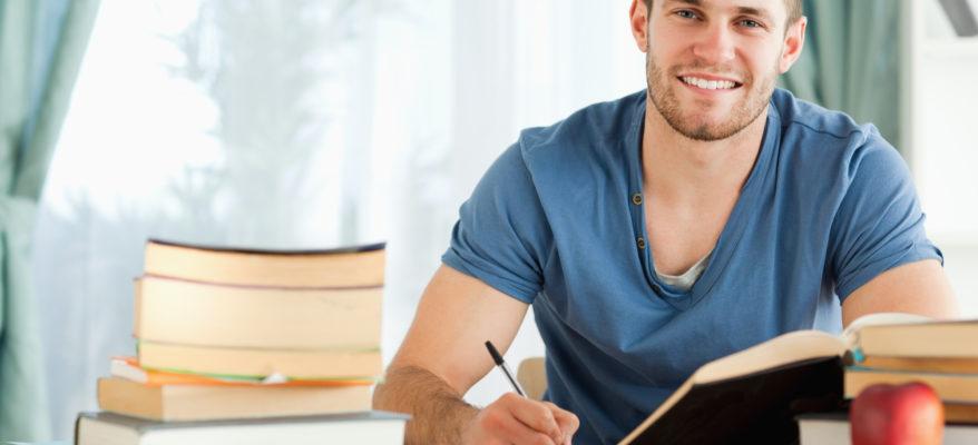 A CHE ORA INIZIARE A STUDIARE? CONSIGLI PER PIANIFICARE IL LAVORO